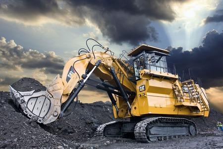 large-hydraulic-excavator450x30
